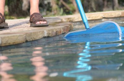 Quick Ways of Cleaning a Green Swimming Pool